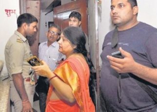 teenager-jumps-to-death-from-8th-floor-flat-after-stabbing-21-year-old-woman-in-noida