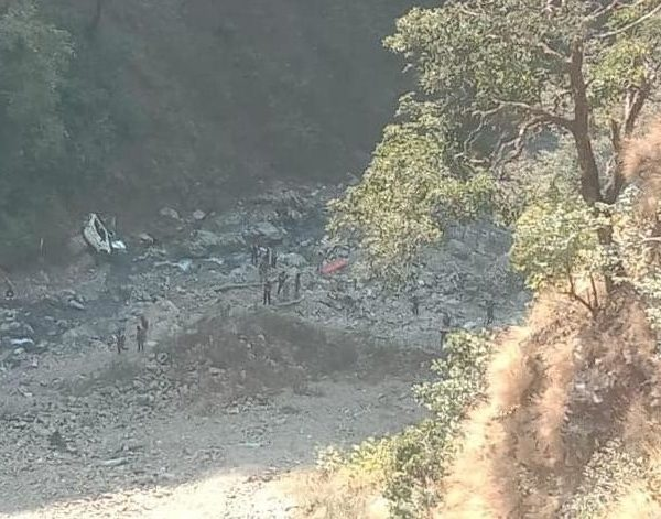 car-fell-into-a-ditch-in-narendranagar-two-people-died